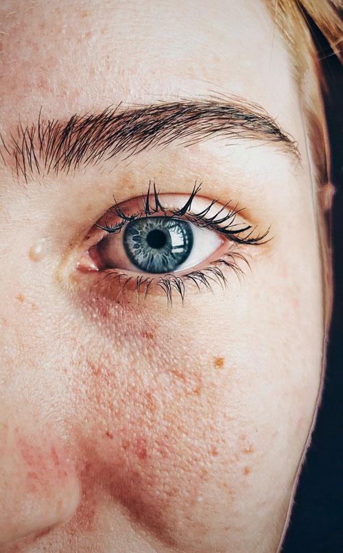 beautiful-blue-eyes-close-up-609549-USE